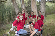 South Africa, Kids on field trip exploring nature - ZEF003950