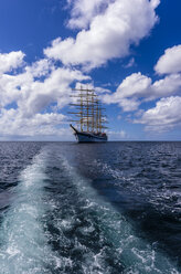 Caribbean, Antilles, Lesser Antilles, Grenadines, Union Island, Sailing ship - THA001196