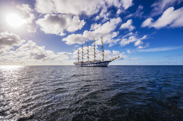 Caribbean, Antilles, Lesser Antilles, Grenadines, Union Island, Sailing Ship - THA001200