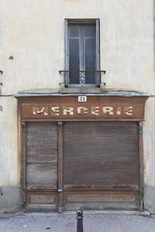 France, Carcassonne, old house facade - GWF003864