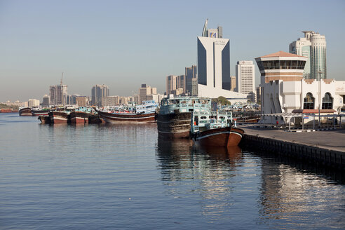 UAE, Dubai, Dhow harbor and skyscrapers at Dubai Creek - PCF000024