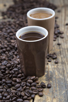 Two cups of coffee and coffee beans - LVF002702