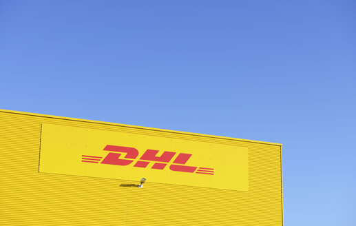 Germany, Neuss, logo of DHL - GUF000085