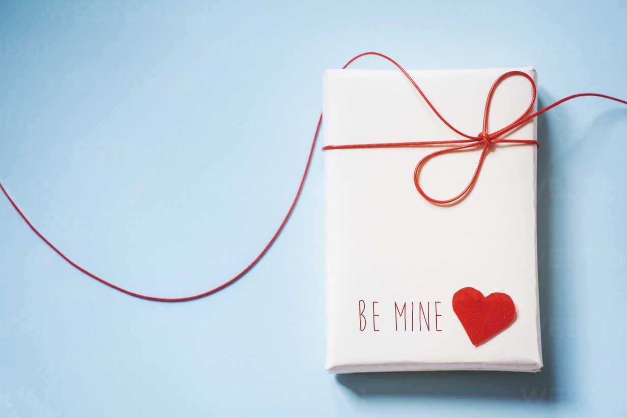 Valentine's gift parcel wit red heart - BZF000003 - Borislav Zhuykov/Westend61