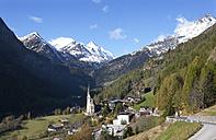 Austria, Carinthia, Heiligenblut am Grossglockner, Hohe Tauern, Grossglockner - WWF003601