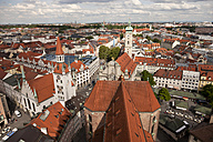 Germany, Bavaria, Munich, cityscape with Heilig-Geist-Kirche and old town hall - PCF000045