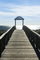 Spain, Andalusia, Barbate, Jetty at the sea - KBF000316