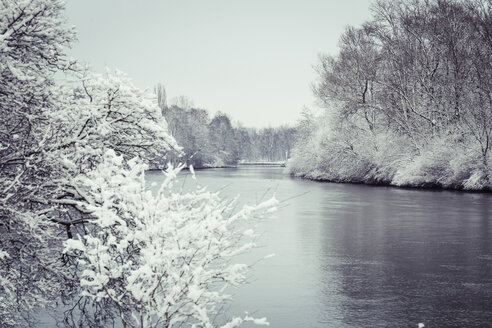 Germany, Landshut, Isar River in winter - SARF001312