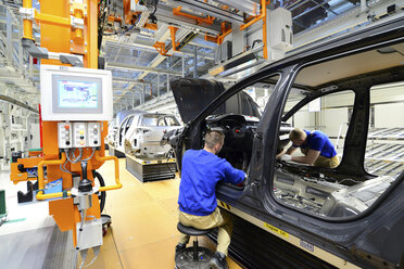 Production of VW cars in a factory - SCH000455