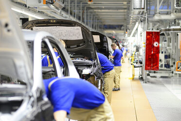 Production of VW cars in a factory - SCH000457