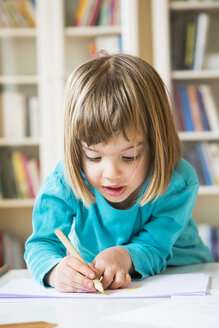 Little girl drawing - LVF002770