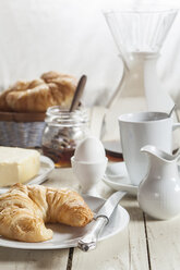 Breakfast with croissant, egg, coffee, honey and butter - SBDF001609