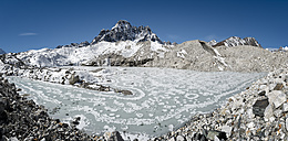 Nepal, Khumbu, Everest region, Gokyo, frozen lake, Ngozumba glacier - ALRF000031