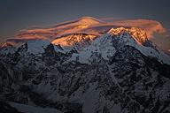 Nepal, Khumbu, Everest region, sunset on Everest from Gokyo ri peak - ALRF000036