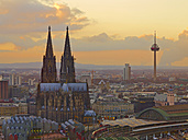 Germany, Cologne, city view with Museum Ludwig, Cologne Cathedral, main station and television tower - MAD000135