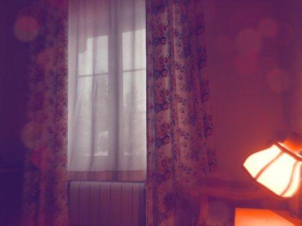Window and lamp - VRF000154