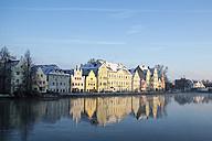 Germany, Bavaria, Landshut, morning sun at River Isar - SARF001337
