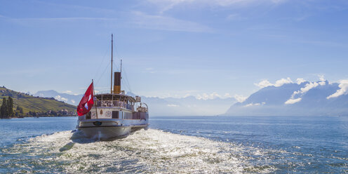 Switzerland, Lutry, paddlesteamer on Lake Geneva - WD002915