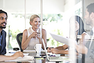 Meeting in an office - ZEF003698