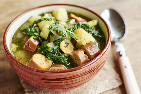 Portuguese Caldo Verde with potatoes, savoy cabbage and vegan sausages - HAWF000656