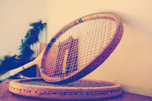 Old tennis rackets - HOH001268