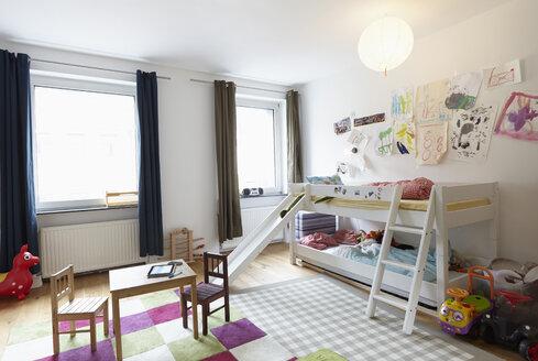 Interior of children's room - RHF000647
