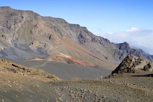 USA, Hawaii, Maui, Haleakala, volcanic landscape with cinder cones - BRF001071