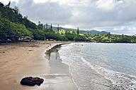 USA, Hawaii, Maui, Hana Beach Park, beach with reddish sand - BRF001095