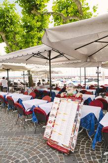 Italy, Garda, restaurant at Lake Garda - GS000932