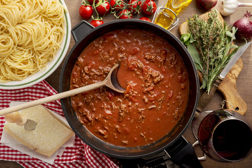Sauce Bolognese in pan - CSTF000887