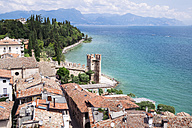 Italy, Lombardy, Province of Brescia, Sirmione, Lake Garda, view from Scaliger Castle - GSF000941