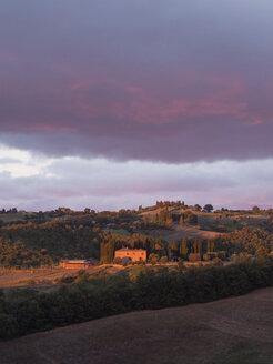 Italy, Tuscany, near Pienza, sunset - GSF000978