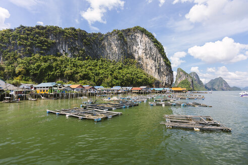 Thailand, 	Ko Panyi, Floating Muslim Fishing Village - STDF000161