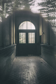 Germany, Potsdam, corridor of an abandoned urban villa - ASC000050