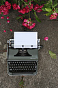 Old typewriter with sheet of paper - GIS000042