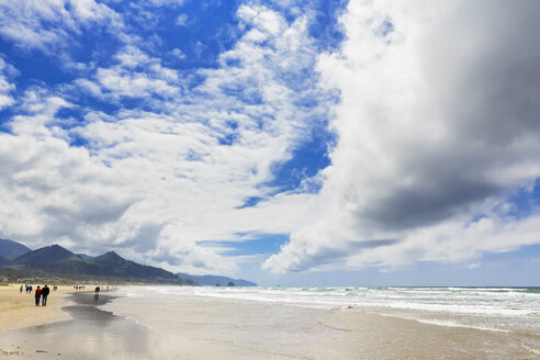 USA, Oregon, Pacific Coast, Cannon Beach - FOF007794