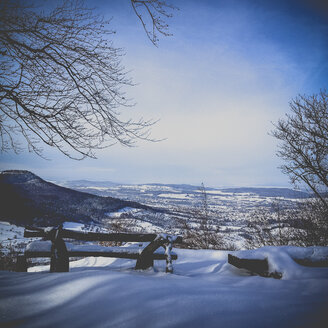 Germany, Baden-Wurttemberg, Swabian Alb, Winter morning - LVF003022