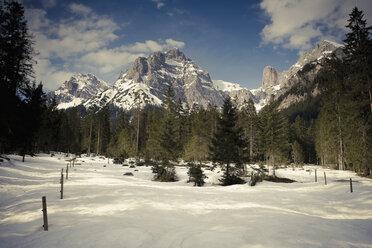 Austria, Salzburg State, Maria Alm, alpine landscape in winter - NNF000190