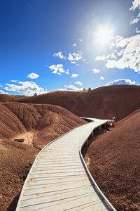 USA, Oregon, boardwalk through John Day Fossil Beds National Monument - FOF007808