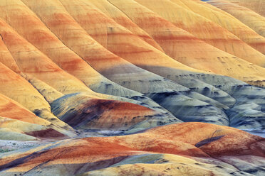 USA, Oregon, John Day Fossil Beds National Monument, Painted Hills - FOF007811