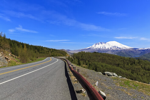USA, Washington, Spirit Lake Highway, Mount St. Helens - FOF007832