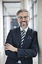 Portrait of confident businessman - RBF002549