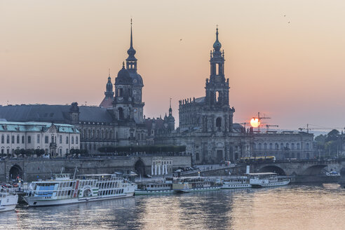 Germany, Dresden, Higher Regional Court, palace and court church by sunset - PVC000305