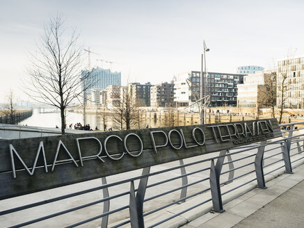Germany, Hamburg, view from Marco Polo Terraces to Hafencity with Elbphilharmonie - KRPF001370