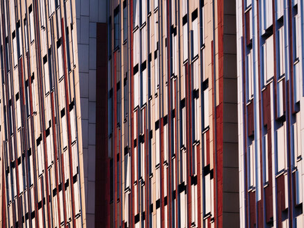 Germany, Hamburg, detail of modern office building at Hafencity - KRPF001374