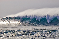 Portugal, Algarve, Atlantic Ocean, wave - MRF001592