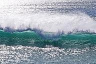 Portugal, Algarve, Atlantic Ocean, wave - MRF001582