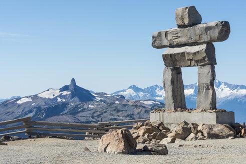 Canada, British Columbia, Whistler, Inuksuk on Whistler Mountain with Black Tusk in background - KEBF000039