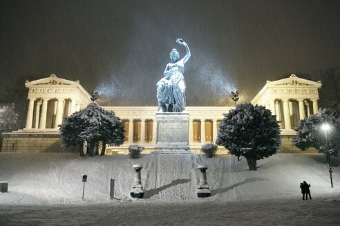Germany, Munich, Bavaria at Ruhmeshalle in snow - EDF000126
