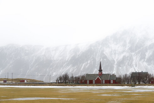 Norway, Lofoten, view to Flakstad in the fog - MKFF000190